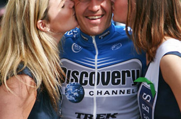"Popovych with podium girls. Photo copyright Ben Ross/Roadcycling.com/<A HREF=""http://www.benrossphotography.com"" TARGET=_BLANK>www.benrossphotography.com</A>."