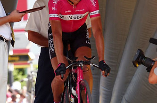 "Ullrich...waiting. Photo copyright Roadcycling.com/<A HREF=""http://www.benrossphotography.com"" TARGET=""_BLANK"">Ben Ross Photography</A>."
