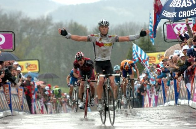 Kim Kirchen (High Road) wins ahead of Cadel Evans (Silence-Lotto).