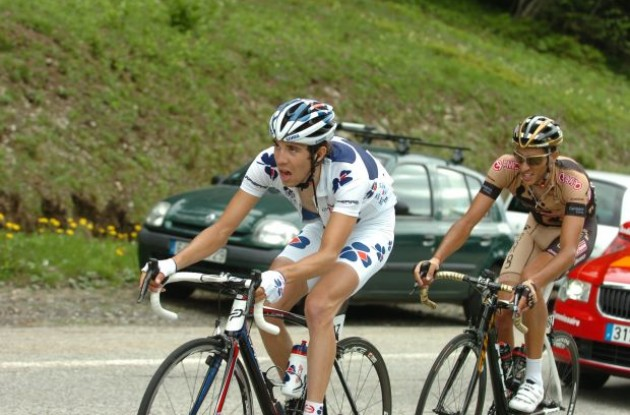 Eros Capecchi of Italy and Thibaut Pinot. Photo copyright Fotoreporter Sirotti.
