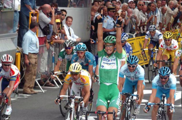 Tom Boonen takes the win ahead of Wrolich and O'Grady. Photo copyright Fotoreporter Sirotti.