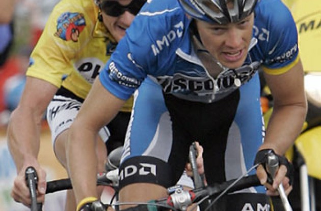 "Tom Danielson leads Floyd Landis in the 2006 Tour de Georgia. Photo copyright Ben Ross/Roadcycling.com/<A HREF=""http://www.benrossphotography.com"" TARGET=_BLANK>www.benrossphotography.com</A>."