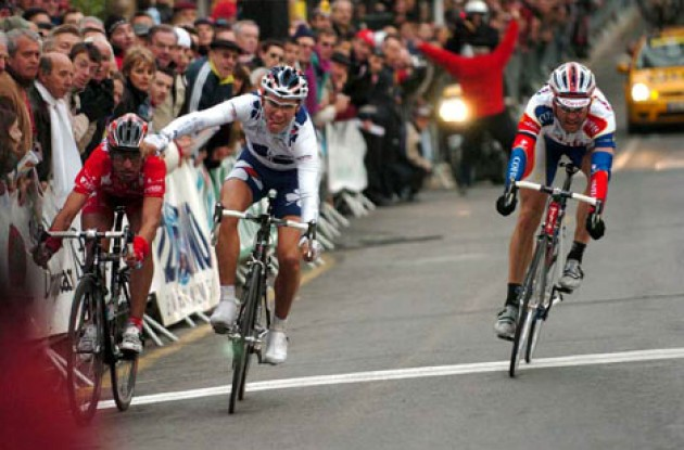 Philippe Gilbert takes the win ahead of Marzoli and Vasseur. Photo copyright Fotoreporter Sirotti.