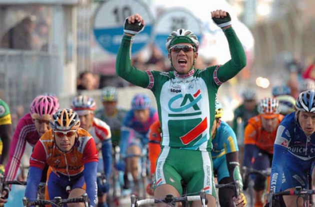 Thor Hushovd takes the win for Credit Agricole. Photo copyright Fotoreporter Sirotti.