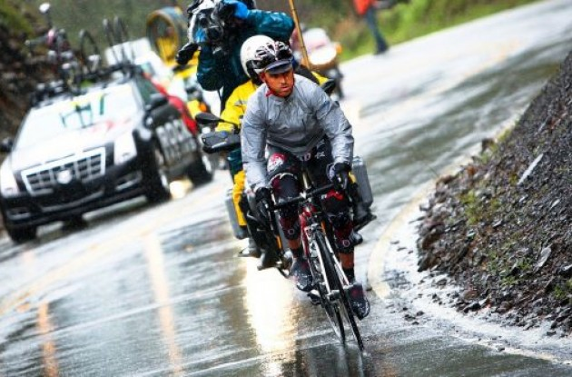 Mancebo (Rock Racing) working hard on the wet roads of California. Photo by Vero Image.