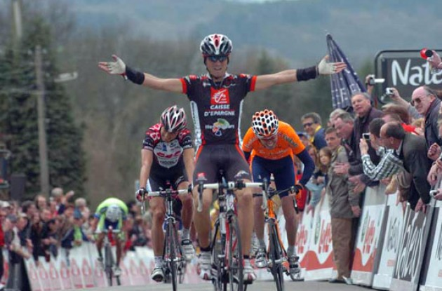 Valverde takes the win ahead of Sanchez and Kroon. Photo copyright Fotoreporter Sirotti.