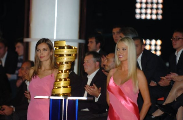 The 2012 Giro d'Italia trophy x 3. Photo Fotoreporter Sirotti.