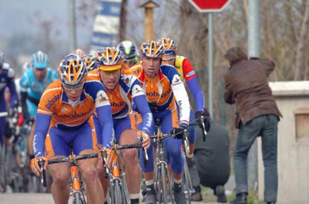 Rabobank leads for Thomas Dekker. Photo copyright Fotoreporter Sirotti.