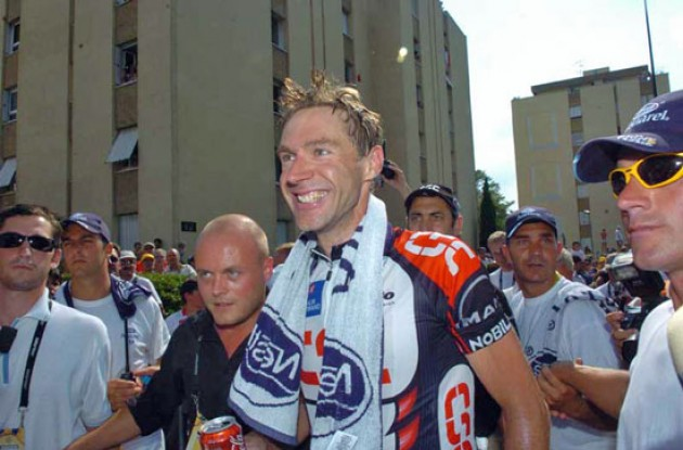 Jens Voigt (Team CSC) - a happy stage winner. Photo copyright Fotoreporter Sirotti.