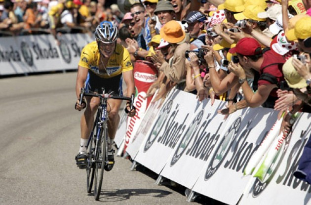 "Armstrong sprints to the line leaving Basso behind. Photo copyright Roadcycling.com/<A HREF=""http://www.benrossphotography.com"" TARGET=""_BLANK"">Ben Ross Photography</A>."
