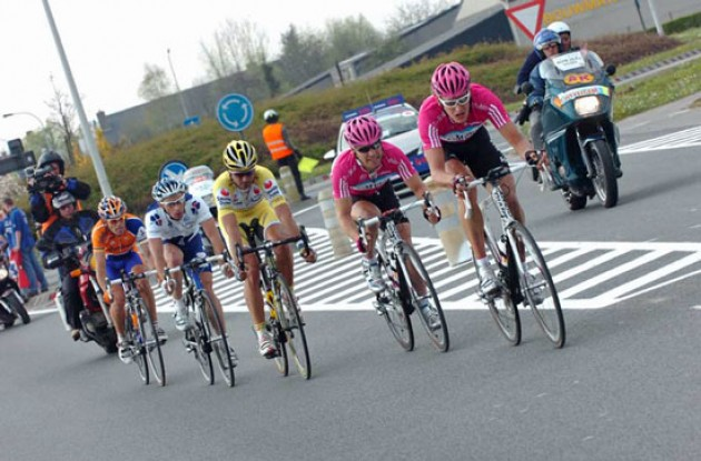 Burghardt, Hammond, Ventoso, Mengin and Freire work hard to keep the peloton behind.