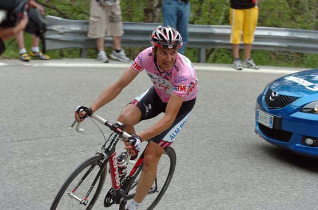Ivan Basso on his way to victory. Photo copyright Fotoreporter Sirotti.