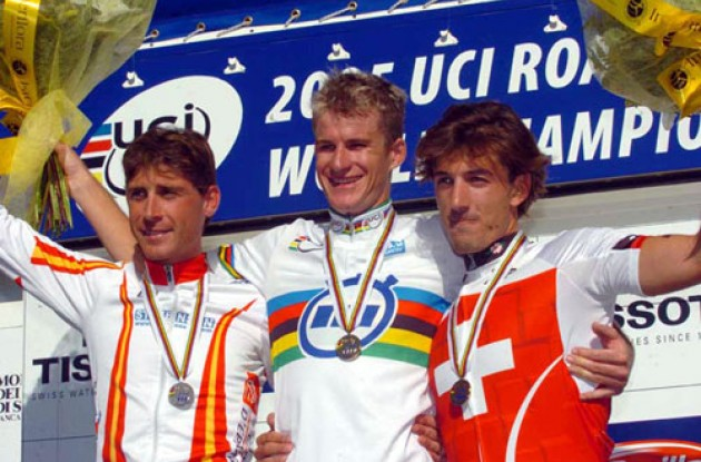 Michael Rogers on the World Championships podium. Photo Fotoreporter Sirotti.