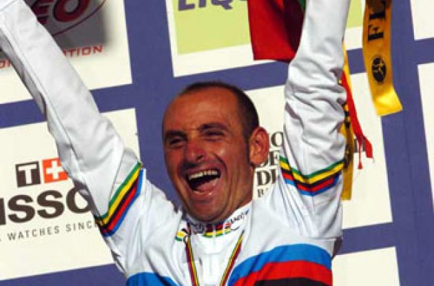 Star in stripes....Paolo Bettini! Photo copyright Fotoreporter Sirotti.