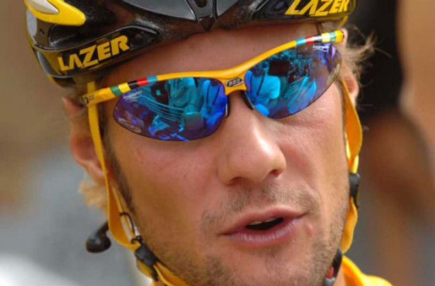 No stage win for Tom Boonen - but he's still in yellow. Photo copyright Fotoreporter Sirotti.