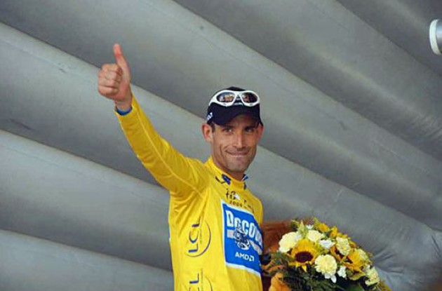 George Hincapie (Team Discovery Channel) leads the 2006 Tour de France. Photo copyright Fotoreporter Sirotti.