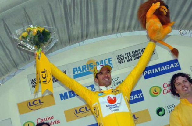 Race-leader David Millar on the podium near Paris. Photo copyright Fotoreporter Sirotti.