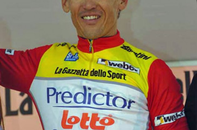 Robbie McEwen on the podium in Italy.