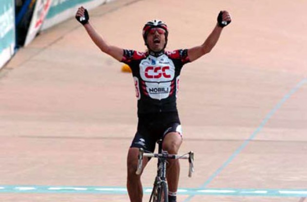 Fabian Cancellara (Team CSC) takes the win in Roubaix. Photo copyright Fotoreporter Sirotti.