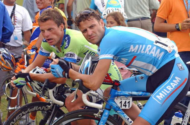 Petacchi and Di Luca chats. Photo copyright Roadcycling.com.