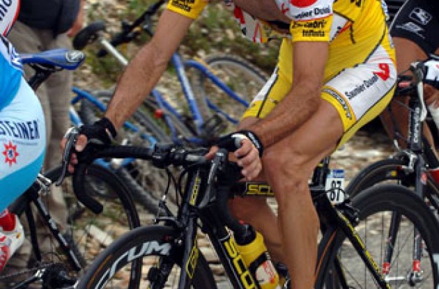 Piepoli and Sastre trying to hang on to the group of major favorites. Photo copyright Roadcycling.com.