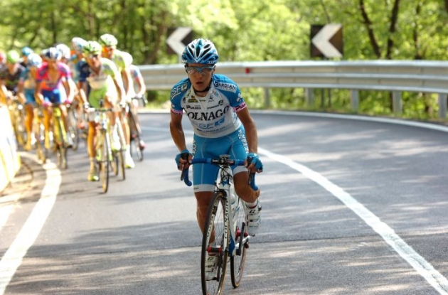 Domenico Pozzovivo of Team Colnago attacks leaving the Giro favorites done and dusted. Photo Fotoreporter Sirotti.