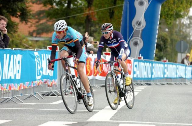 Alexis Gougeard and Daan Myngheer in a breakaway. Photo Fotoreporter Sirotti.