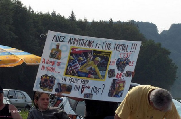 Lance Armstrong's got French fans too!