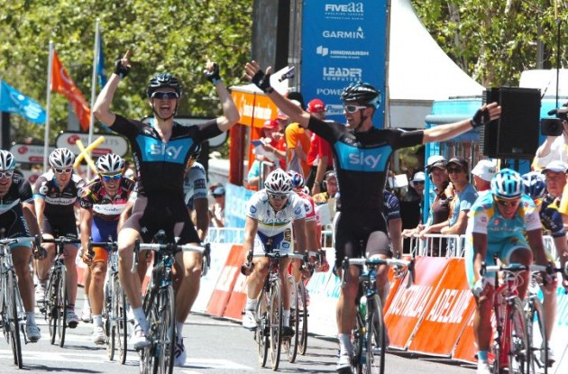 Ben Swift wins ahead of Team Sky teammate Greg Henderson. Photo Fotoreporter Sirotti.
