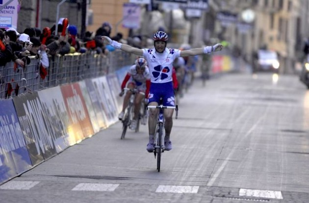 Benoit Vaugrenard wrongly thinks he has won the stage. Photo copyright Fotoreporter Sirotti.