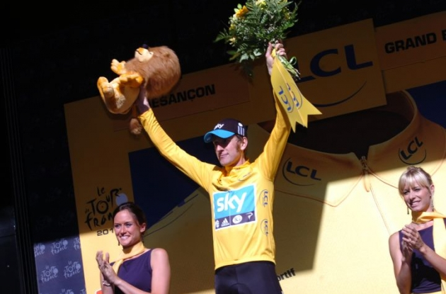 Great Britain's Tour de France leader Bradley Wiggins on the podium in Besancon, France. Photo Fotoreporter Sirotti.