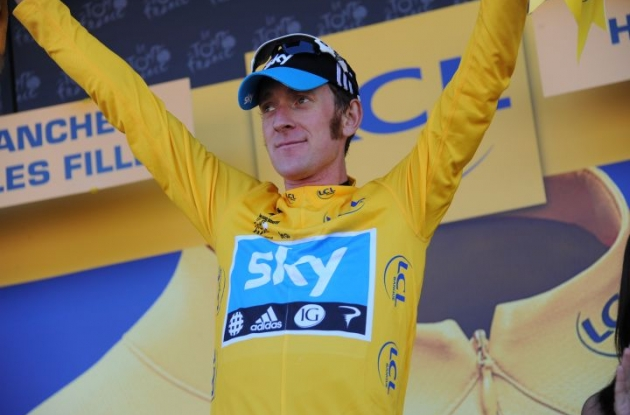 Bradley Wiggins (Team Sky Procycling) leads the Tour de France overall, ahead of Team BMC Racing's Cadel Evans. Photo Fotoreporter Sirotti.