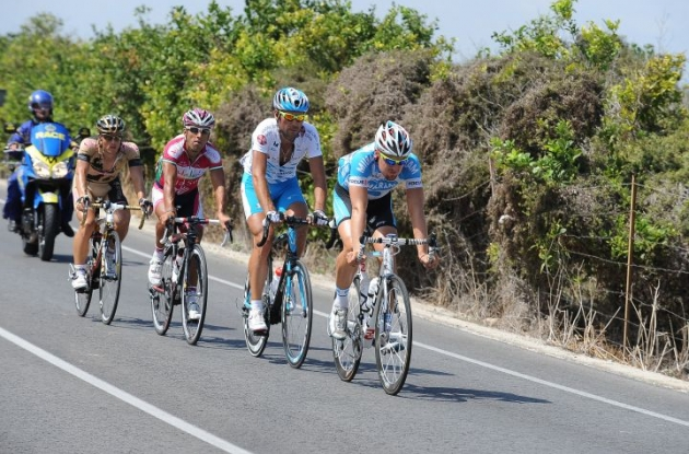 Today's breakaway group. Photo copyright Fotoreporter Sirotti.