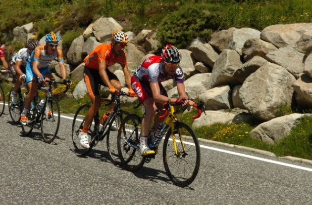 Evans attacks trying to gain time on his GC competitors. Photo copyright Fotoreporter Sirotti.