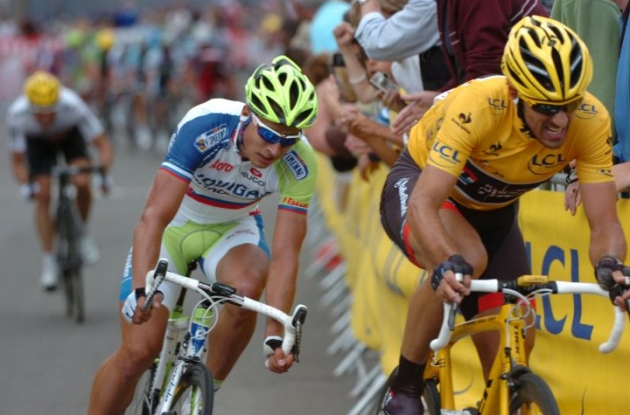 Tour de France leader Fabian Cancellara attacks closely tailed by Peter Sagan and Edvald Boasson Hagen. Photo Fotoreporter Sirotti.