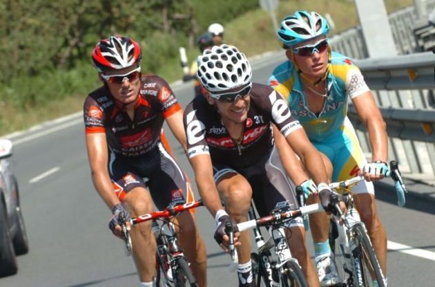 Luis Leon Sanchez, Carlos Sastre and Alexandre Vinokourov on the attack. Photo copyright Fotoreporter Sirotti.