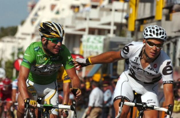 Mark Cavendish vs. Thor Hushovd in the 2010 Tour de France. Who will prevail? Stay tuned to Roadcycling.com to find out! Photo copyright Fotoreporter Sirotti.