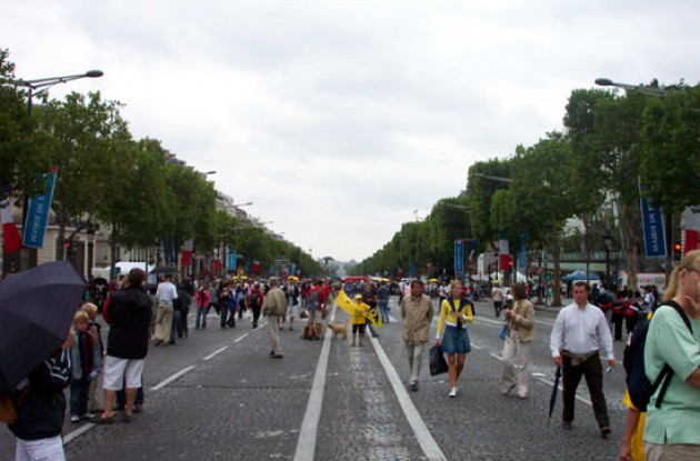 Champs Elysses a few hours before the peloton arrived. Photo copyright Roadcycling.com.