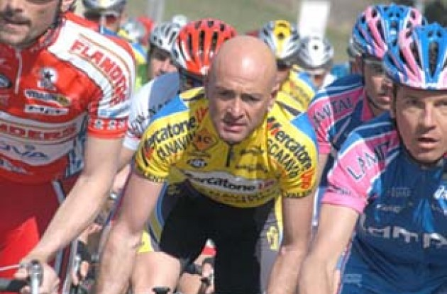 Marco Pantani returns to competition after ended quarantine. Copyright Fotoreporter Sirotti