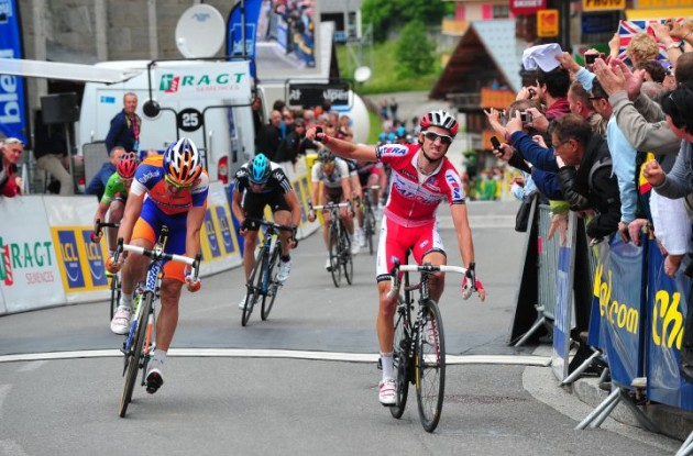 Daniel Moreno wins sprint to stage victory in final stage of 2012 Criterium du Dauphine Libere. Photo Fotoreporter Sirotti.