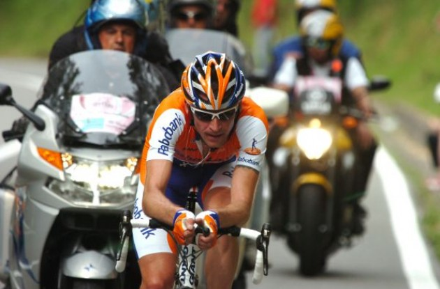 Denis Menchov (Rabobank) on his way to stage victory and overall lead in the Giro d'Italia 2009. Photo copyright Fotoreporter Sirotti.