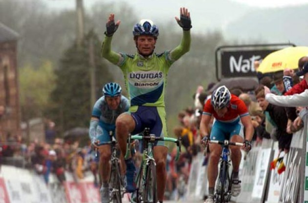 Di Luca takes the win ahead of Kirchen and Rebellin. Photo copyright Fotoreporter Sirotti.