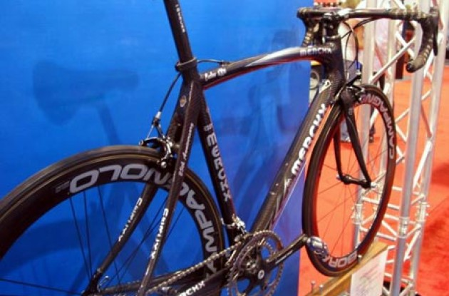 Eddy Merckx's new Carbon AXM. Photo copyright Roadcycling.com.