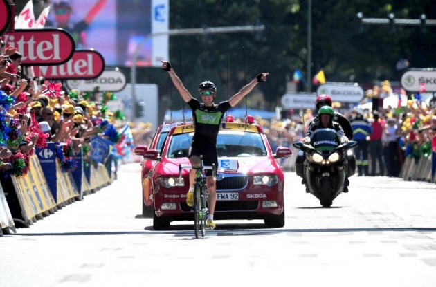 Team Sky's Edvald Boasson Hagen wins stage 17 of the Tour de France 2011. Photo Fotoreporter Sirotti.