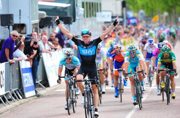 Team Sky's Norwegian Edvald Boasson Hagen takes the win! Photo Fotoreporter Sirotti.