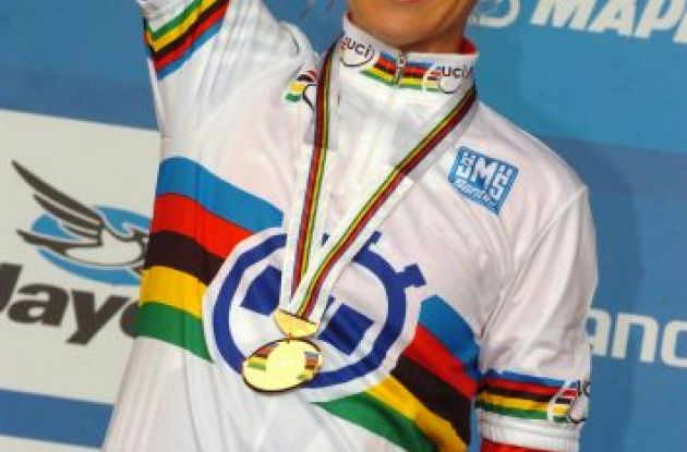 World Champion Emma Pooley. Photo Fotoreporter Sirotti.