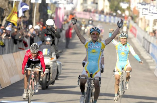 Enrico Gasparotto wins. Photo copyright Fotoreporter Sirotti.