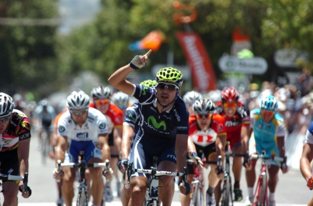 Team Movistar's Francesco Ventoso wins stage 5 of the Santos Tour Down Under 2011. Photo Fotoreporter Sirotti.