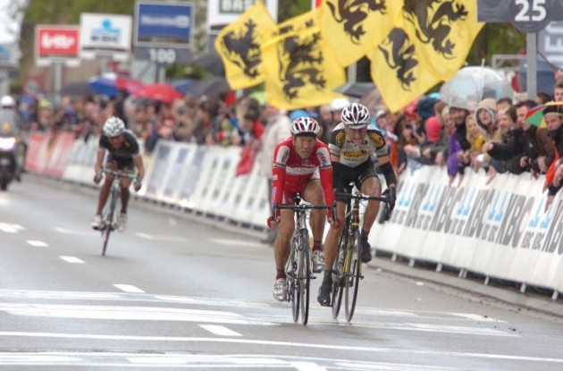Oscar Freire (Katusha) and  Pieter Serry (Team Topsport Vlaanderen) steal fight for 2nd and 3rd position from Team Colombia-Coldeportes' Fabio Andres Duarte Arevalo in final meters. Photo Fotoreporter Sirotti.