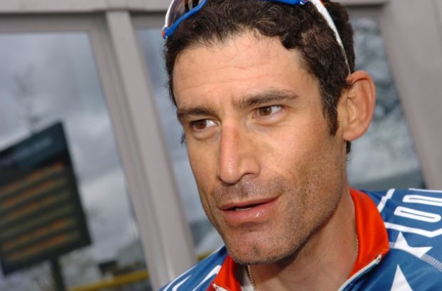George Hincapie (Team BMC Racing) is ready for the 2010 Tour of Flanders / Ronde van Vlaanderen. Photo copyright Fotoreporter Sirotti.
